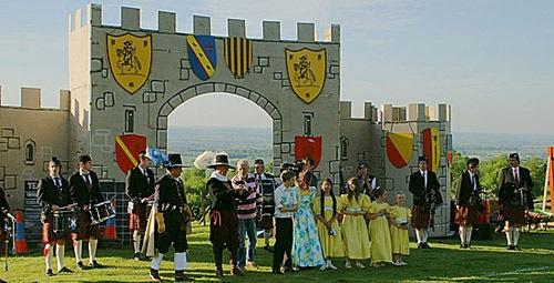 Faux castle
