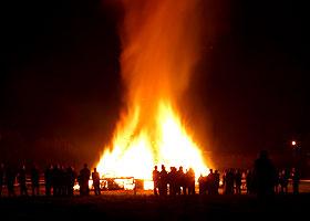 Tarbarrels_bonfire