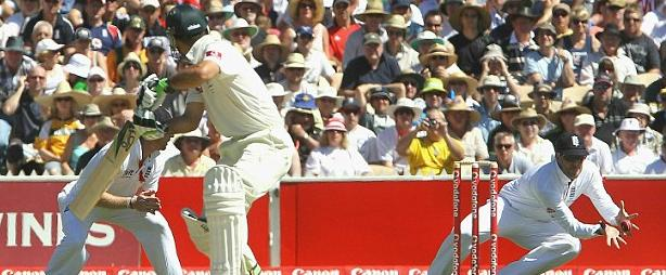 Swann catches ponting